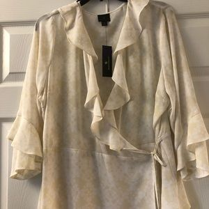 Lightweight blouse, cream and light yellow/gold.